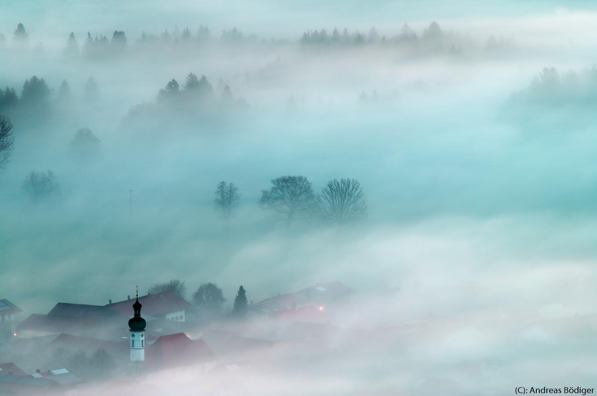 1-NFT2018_Andreas_Bödiger_Dorf-im-Morgennebel.jpg
